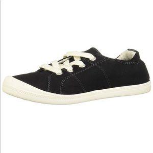 Madden Girl Baailey Sneaker